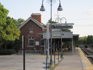 Lake Bluff Metra Station